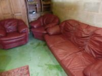 Red leather 3 piece suite.