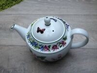 Teapot Royal Worcester in excellent condition.REDUCED now £20