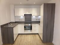 Stunning 1 Bed Flat with Balcony by tram stop, walking distance to East Croydon