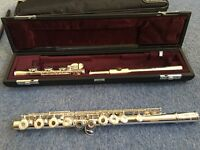 92.5% pure sterling silver Yamaha Flute (YFL 471 H) & FREE music notes