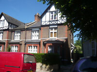 LOVELY LARGE 3 BEDROOM 1ST FLOOR FLAT IN PERIOD CONVERSION, IN GOOD LOCATION