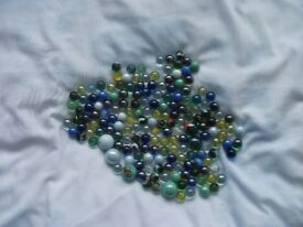 174 VINTAGE AND MODERN MARBLES