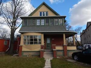 Cozy Bachelor Apartment across from Rockway Gardens!!!