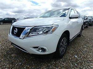 2014 Nissan Pathfinder SL AWD WITH LEATHER & MOONROOF