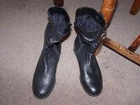 Gabor boots, black, size 5 and a half, almost new