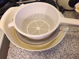 Salad spinner, mixing bowls, sifter, drainer
