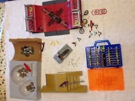 Finger Boards - 17 Skateboards, 2 Scooters And 1 Bike - Assortment Of Ramps And Spares
