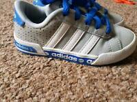 Child trainers size 10 Adidas