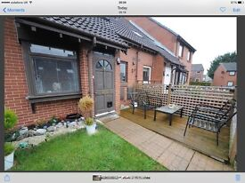 One bed house with garden for rent £720