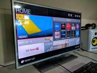 LG Full HD 32 inch Smart TV perfect condition