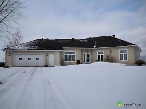 $950,000 - Bungalow for sale in Lefaivre