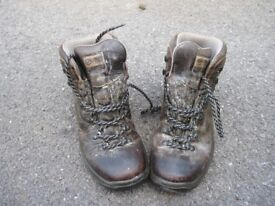 Ladies Walking Boots, size 6