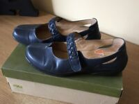 Navy Mary Jane (Shake) shoes by Hotter size 6