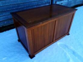 Beautiful wooden blanket box, delivery available