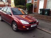 FORD FOUCS 1.6 RED HATCH BACK £450
