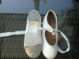 Tap dancing shoes