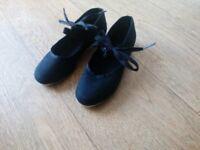 Black children's size 11 tap shoes