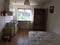 Studio flat in Golders Green for DSS/Housing Benefit applicants