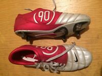 Nike size 12 Football boots (as new) with Large Puma Shin Pads
