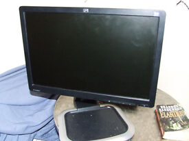 HP L1945 PC Monitor with height adjustment