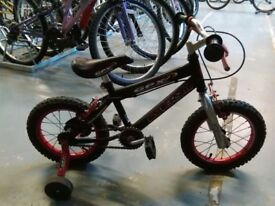 BOYS UNIVERSAL GPX BIKE 14 INCH WHEELS + STABILISERS BLACK/CHROME/RED GOOD CONDITION CHRISTMAS?