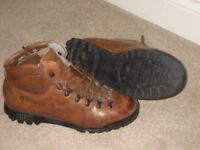 Mens Scarpa ASOLO (TV) Hillwalking Boots size 9