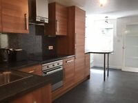 Newly Refurbished 2 bed Flat For Lease In City Centre