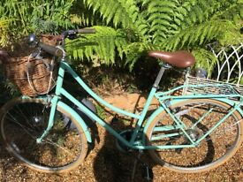 Bobbin Brownie Ladies Bike - stylish, practical and gorgeous colour!