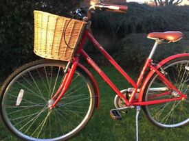Fantastic condition, nearly new Dutch style ladies bike with accessories - I can deliver