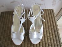 Ladies white leather sandals(heels) size 7