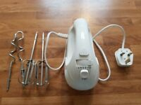 Electric hand whisk