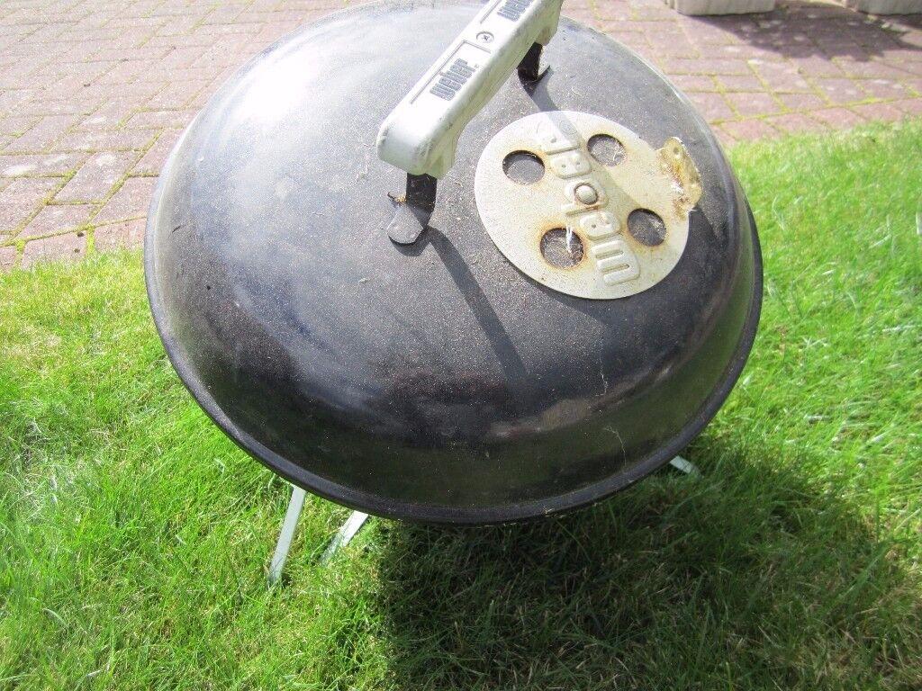 Weber® Smokey Joe™ Premium Black Charcoal BBQ - Weber® Smokey Joe™
