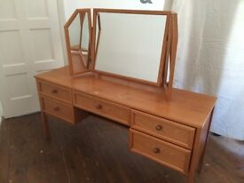 Vintage dressing table with 3 part mirror