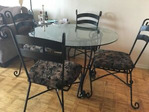 Moving out furniture sale