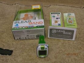LeapFrog LeapBand Activity Tracker Green with USB Cable & Instructions