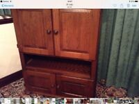 Beautiful solid oak cupboards, beautiful pieces of furniture. They are slightly different.