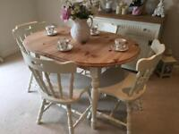 Lovely Extending Solid Pine Dining Table 4 Chairs