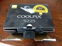 Boxed Nikon Coolpix digital camera 3x optical zoom, as new with cables, charger etc
