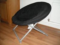 Foldable moon chair