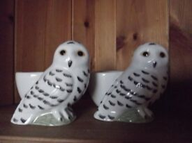 Quail pottery egg cups