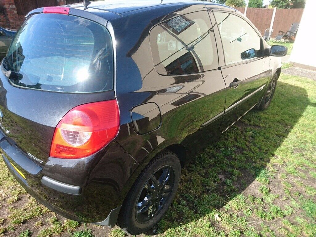 RENAULT CLIO EXTREME 1 2 SPARES OR REPAIR | in Bootle, Merseyside | Gumtree