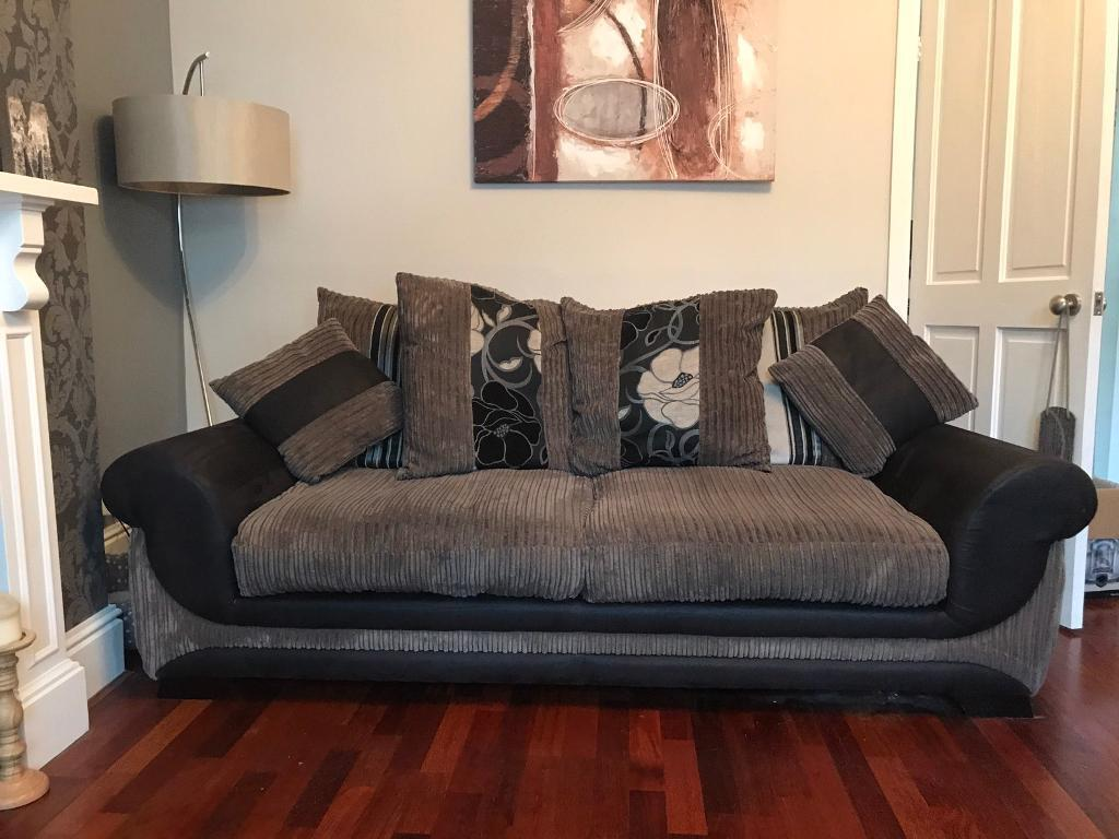 2 piece suitein Horbury, West YorkshireGumtree - Needs to go asap 3 seater and 2 seater. Bought from SCS about 3 years ago. Brilliant condition. Well looked after with no rips or tears. Collection preferred but may be able to deliver depending on area