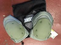 Blackhawk tactical V2 knee pads