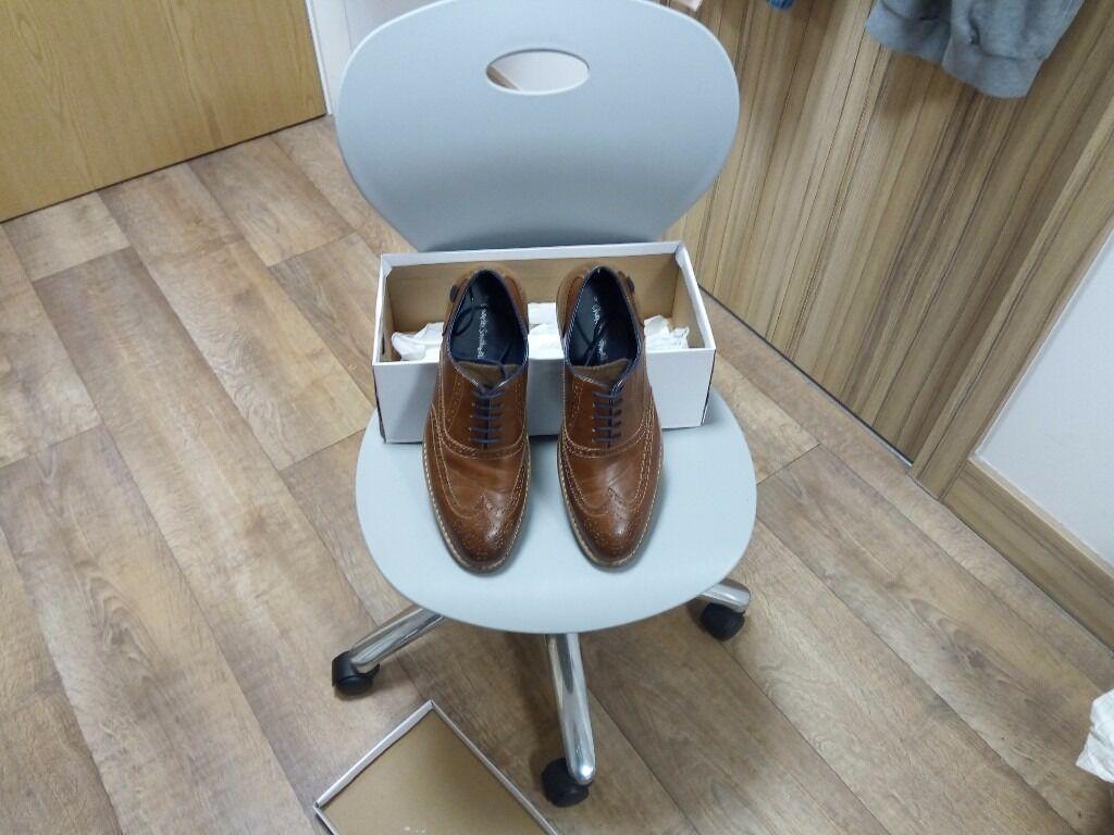 Classic Business Shoesin EdinburghGumtree - Beautiful business pair of shoes. Used twice, but looks brand new! Size UK 9