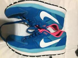 Blue nike trainers size 5