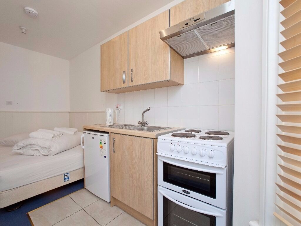 Premium Studio Swiss Cottage Short Lets £70 per night Free WIFI