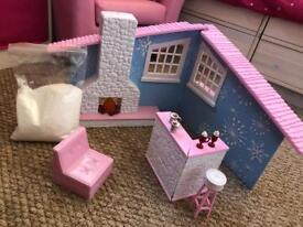Bratz snow lodge, photo booth and doll