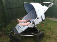 Mountain buggy urban jungle with bassinet
