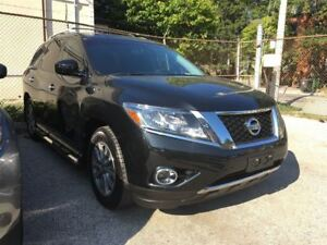 2016 Nissan Pathfinder SV V6 4x4 at *One Owner & No Accidents*