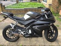Yamaha YZF R125 with Akrapovic Full System